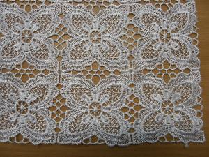 CHEMIN DE TABLE MACRAME AU METRE R12910