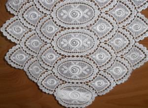 CHEMIN DE TABLE MACRAME AU METRE